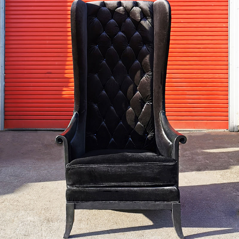 Black Velvet Porter Chair