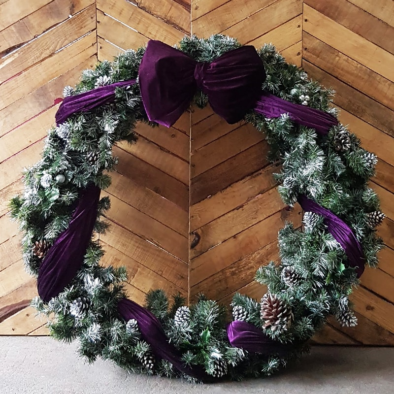 Giant Frosty Christmas Wreath