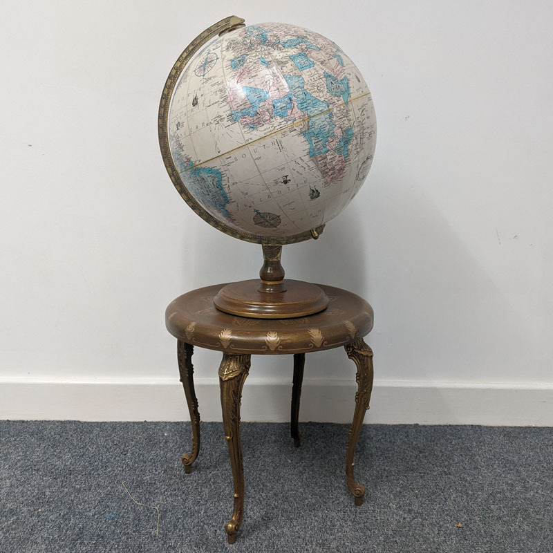 Fancy Gold Legged Globe