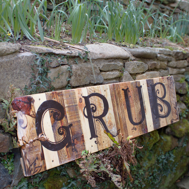 Rustic Grub Sign