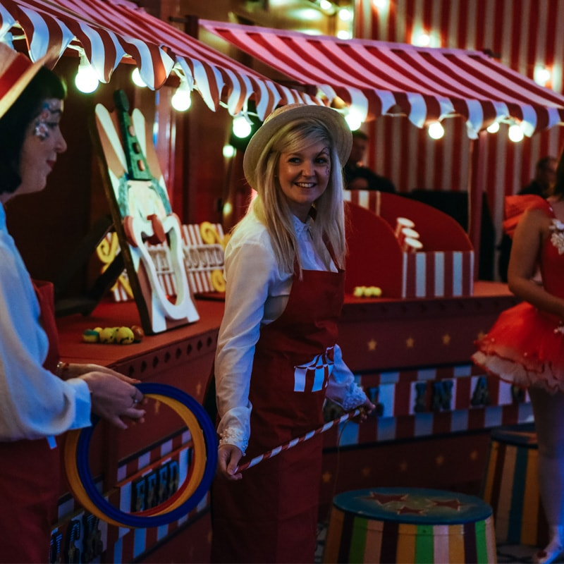 Red and White Circus Stall Bar 4