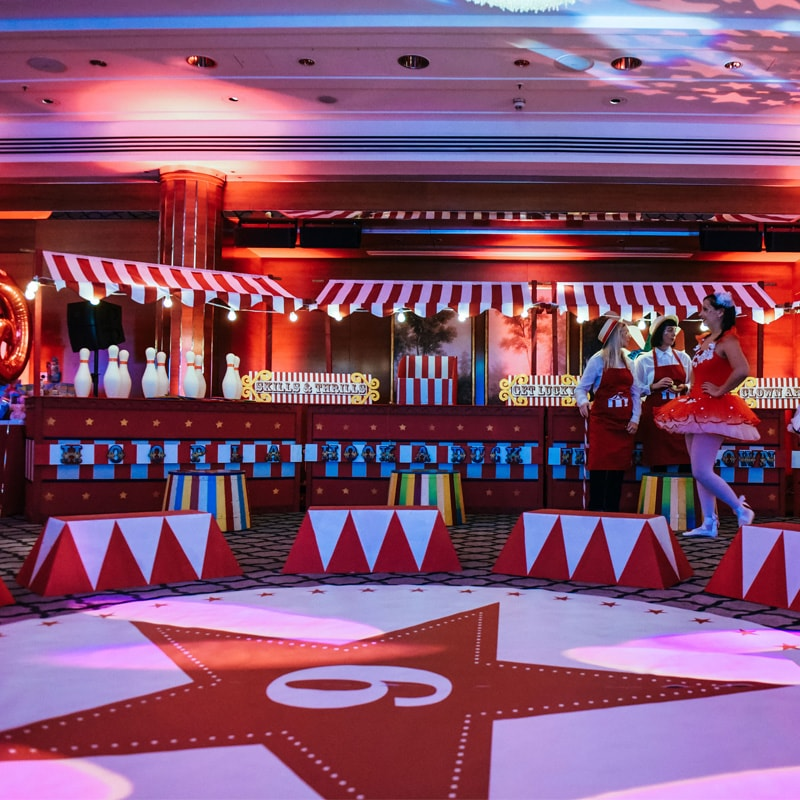 Red and White Circus Stall Bar 3