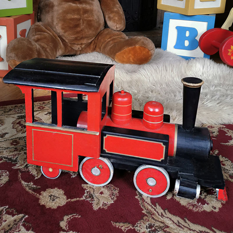 Grand Vintage Wooden Toy Train 1