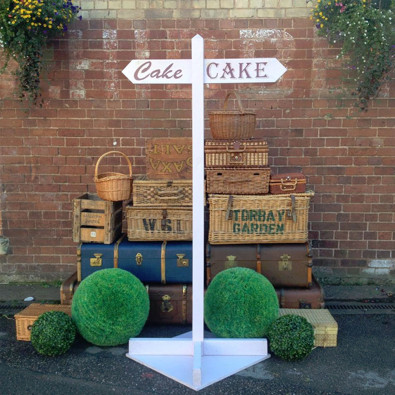 Lilac Cake Signpost