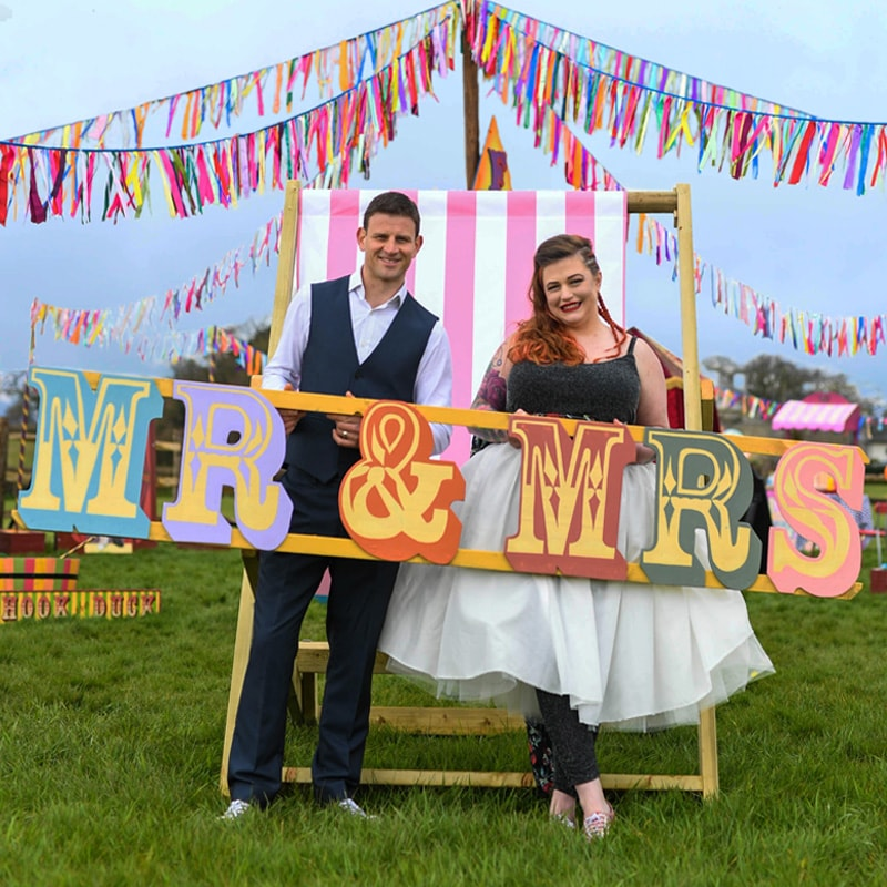 MR & MRS Giant Fairground Sign