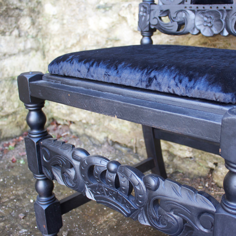 Black Velvet Grand Chair 4