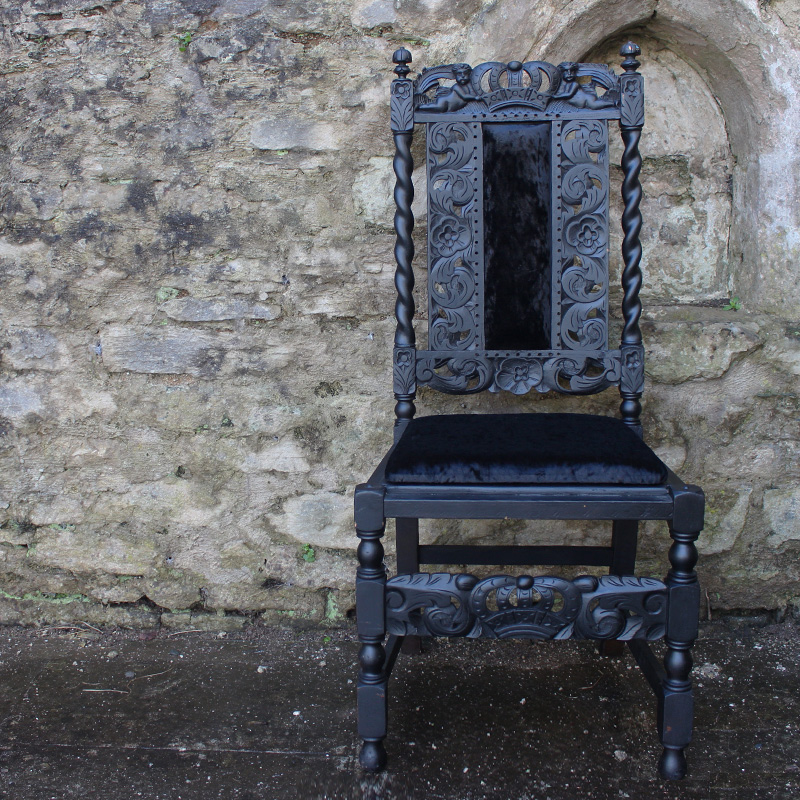 Black Velvet Grand Chair 2