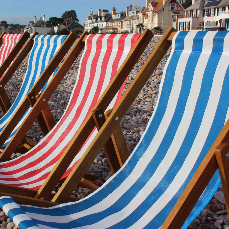Traditional Red Striped Deckchair 2