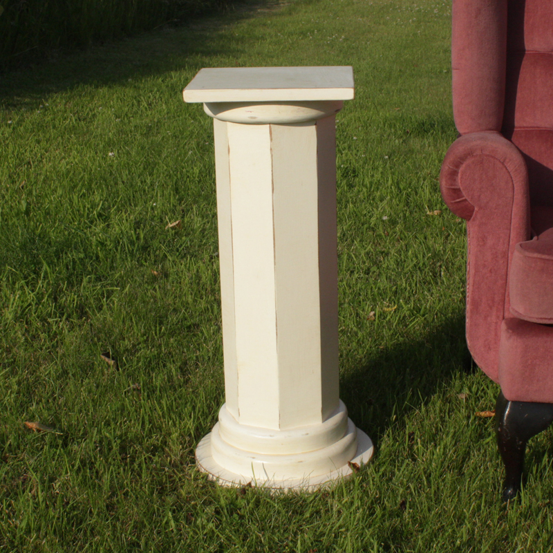 Small Off-White Georgian Pillar 1