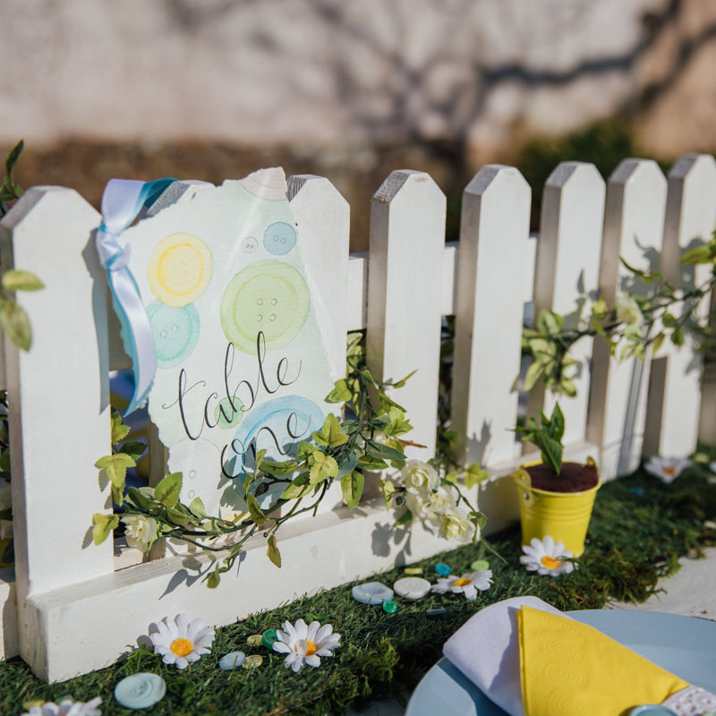 Mini Picket Fence for Table Displays 1