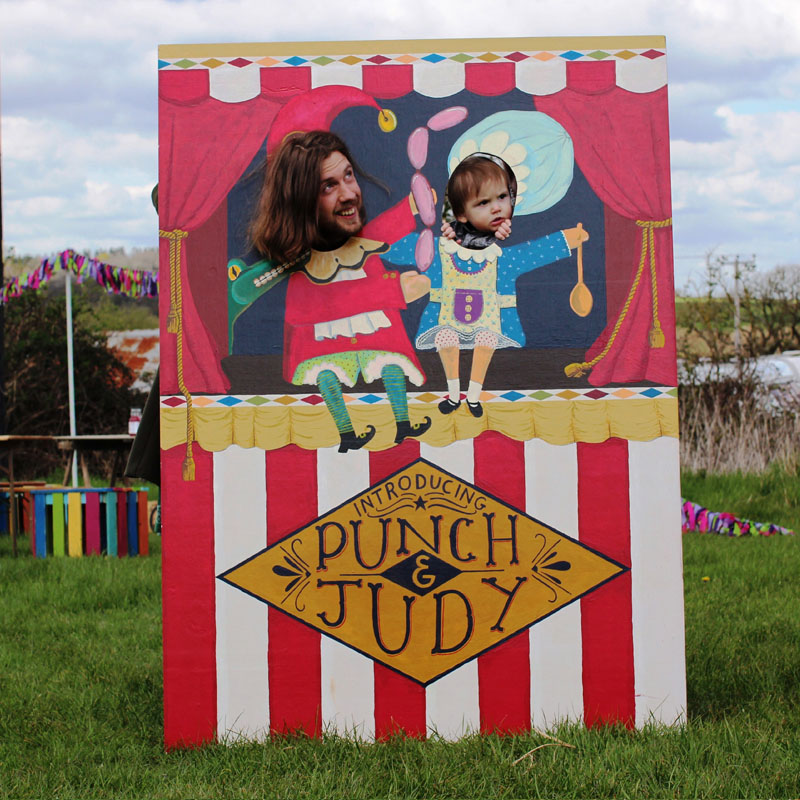 Punch & Judy Peep Board