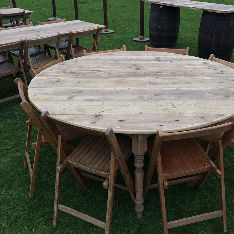 Round Farmhouse Table seats 8 4