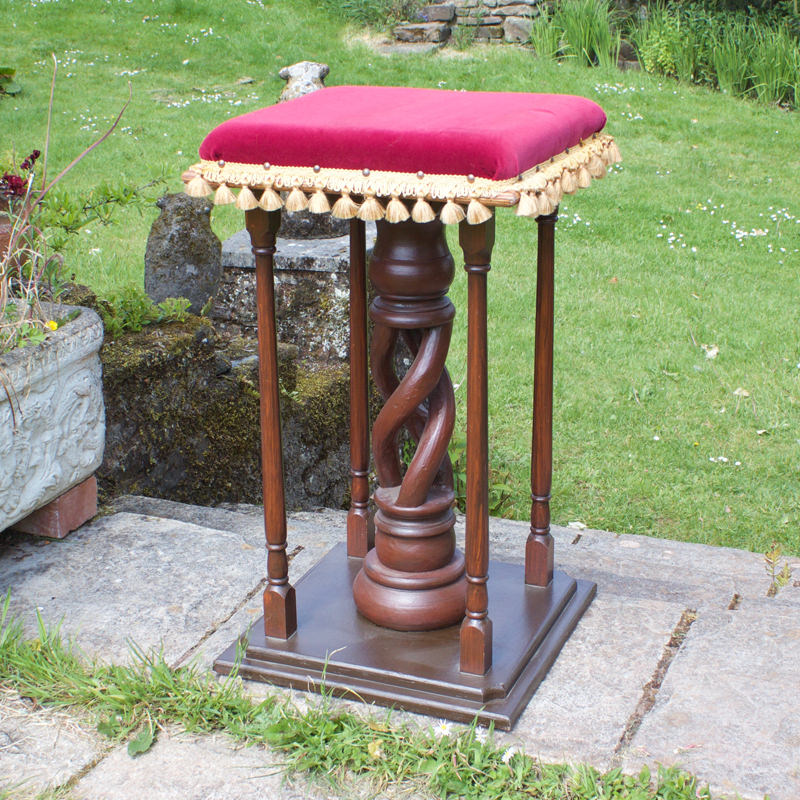 Red Cushioned Plinth