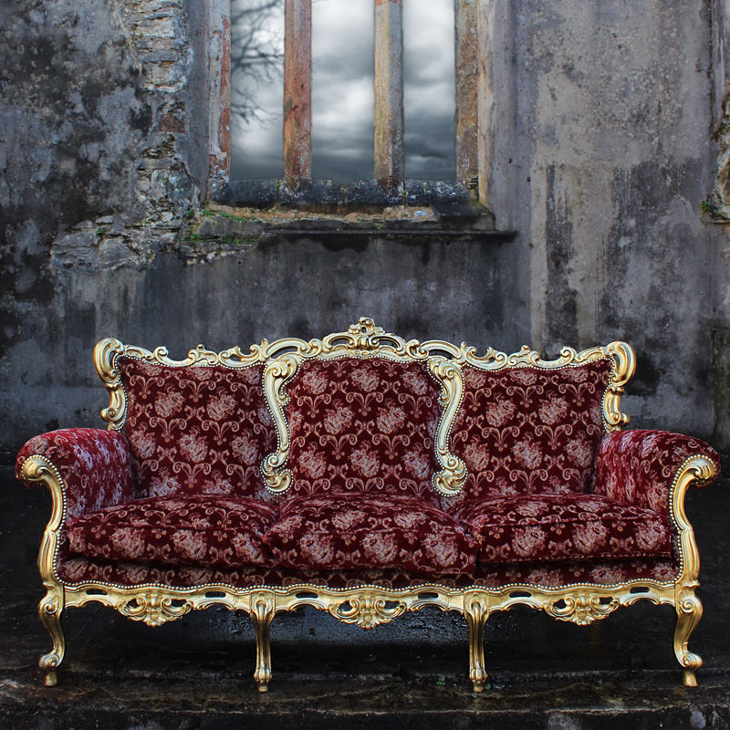 A Right Royal Sofa