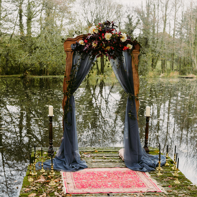 Decorative Rustic Wooden Arch 3