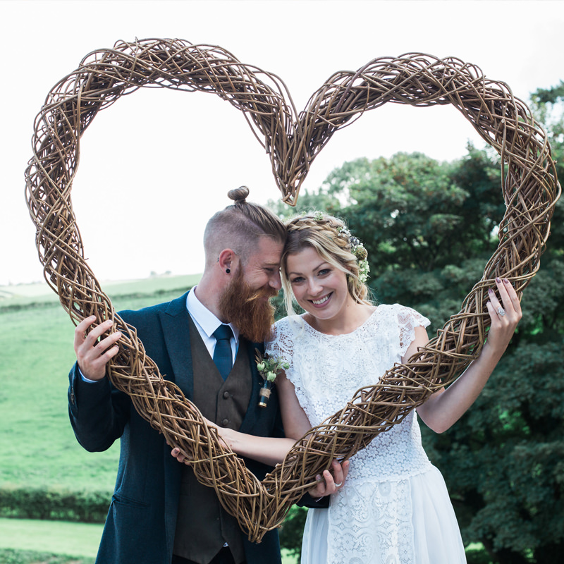 Giant Willow Heart Frame